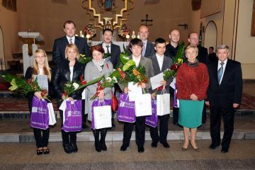 Zdjęcie 4 Wykonawcy i organizatorzy X Koncertu Muzyki Organowej w 2012r..jpeg